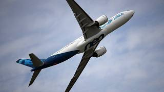 Pause dans le conflit opposant Airbus et Boeing - image d'archives A380 dans le ciel de Paris, le 18/06/2019