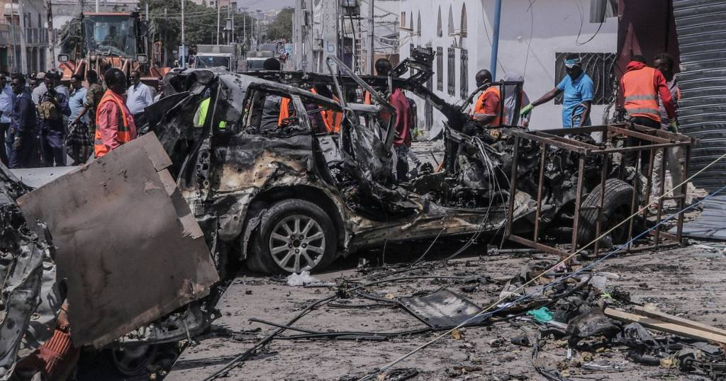 At least 10 killed in Somalia suicide bomb blast | Africanews