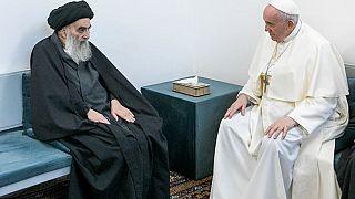 El ayatolá Al Sistani y el papa Francisco durante su reunión en Nayaf, Irak
