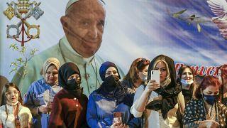 Le pape a célébré en Irak sa première messe en public en l'église Saint Joseph dans le centre de Bagdad, le 6 mars 2021.