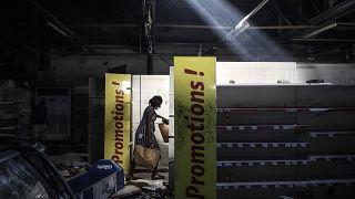 Geplünder Supermarkt in Dakar
