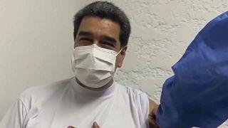 Nicolás Maduro recibe la vacuna Sputnik V