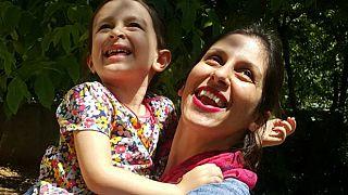Nazanin Zaghari-Ratcliffe mit ihrer Tochter (2018)