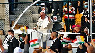 Papst Franziskus im Stadion von Erbil