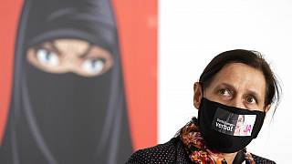 Διχάζει τους Ελβετούς η απαγόρευση του καλύμματος προσώπου
