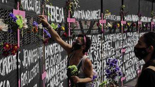 Mural en homenaje a las víctimas de feminicidios en México