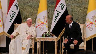 الرئيس العراقي برهم صالح مع البابا فرنسيس