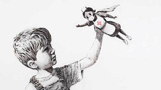 Az egészségügyi dolgozókat szuperhősként ábrázolja a művész