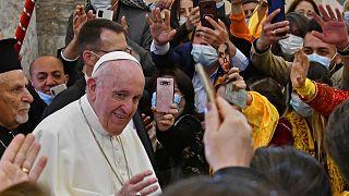 البابا فرنسيس عند وصوله إلى كنيسة الحبل بلا دنس، العراق، 7 آذار 2021