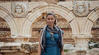 Dünyadaki tüm ülkeleri gezen en genç kişi olan Lexie'nin Libya'dan bir fotoğrafı.