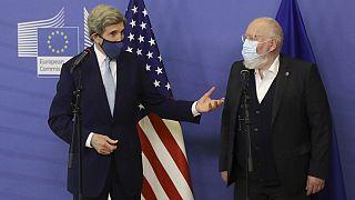 Kerry in visita a Bruxelles: la crisi clilmatica è un'opportunità di rinnovamento