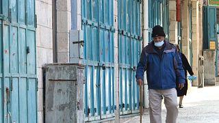 رئيس الوزراء الفلسطيني يحذر تداعيات الموجة الثالثة من فيروس كورونا
