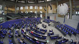 Γερμανία: Μάσκες, δωροδοκία και πολιτική κρίση