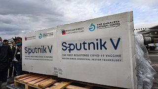 Tunisie : arrivée des premiers lots de vaccins russes