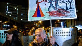 Örményország: még mindig a miniszterelnök ellen tüntetnek