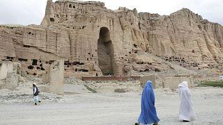El nicho vacío de uno de los budas gigantes de Bamiyán, Afganistán, 2009,