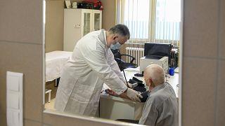 Orvosi vizsgálat oltás előtt Vámospércsen