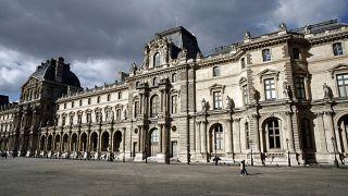 متحف اللوفر- فرنسا