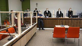 Prozess gegen Jennifer W. (links) in München