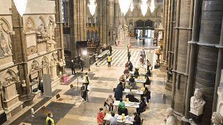 Центральный неф Вестминстерского аббатства стал прививочным хабом