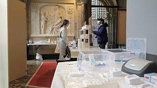 Testen in der Gedächtniskirche in Berlin