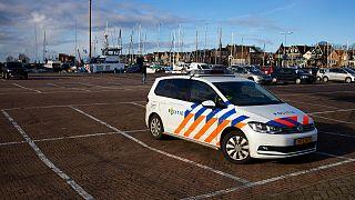 گشت پلیس هلند برای کنترل محدودیتهای کرونایی