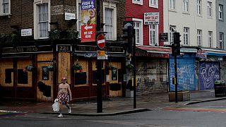 Pandemia obrigou a fechar restaurantes e salas de concertos no Reino Unido