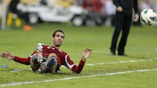 صورة من الارشيف - محمد أبو تريكة خلال مباراة ودية لكرة القدم في العاصمة القطرية الدوحة في 28 أيلول/  ديسمبر 2012. فازت مصر 2-0.