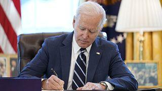 ABD Başkanı Joe Biden 1,9 trilyon dolarlık Covid-19 ekonomik destek paketini imzaladı
