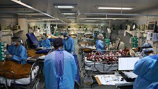 مستشفى لعلاج كوفيد-19 في البرازيل