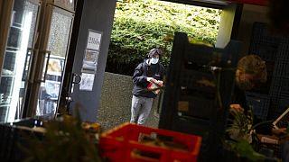 Gıda bankasını kullanan Belçikalı bir öğrenci