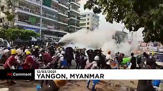 Vízágyúkkal oszlatták a tüntetőket Rangunban