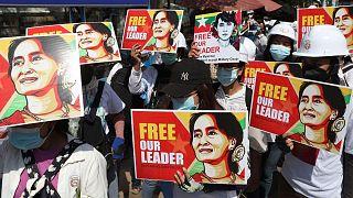 تظاهرات حامیان آنگ سان سوچی در میانمار