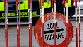 نقطة حدودية في ميرين بالقرب من مدينة جنيف السويسرية. 2008/12/08