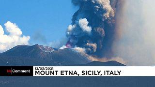 Éruption de l'Etna : des panaches de fumée à 4 000 mètres