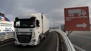 Hatalmasat zuhant a brit uniós export