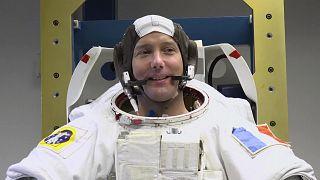 تلقيح رائد فضاء فرنسي ضد فيروس كورونا قبل صعوده لمحطة الفضاء الدولية