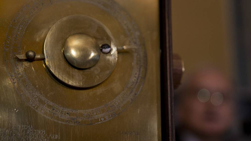 Les secrets du mécanisme d'Anticythère : le cosmos vu par les Grecs il y a 2 000 ans - Euronews