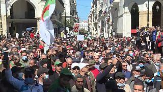Algérie : le Hirak s'insurge contre les élections législatives anticipées