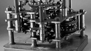 قسم من أول جهاز كمبيوتر على الإطلاق صممه تشارلز بابادج بين 1823 و1842.