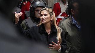 Bolivya'da eski geçici Devlet Başkanı Jeanine Anez terör, isyan ve komplo kurma suçlamalarıyla gözaltına alındı