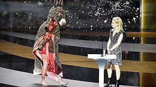 Bu sene 46'ncısı düzenlenen Cesar Ödül Töreni'ne Corinne Masiero'nun çıplak protestosu damgasını vurdu.