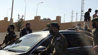 Король Иордании Абдалла II посещает больницу Эс-Салта, где скончались 6 пациентов из-за отключения кислорода