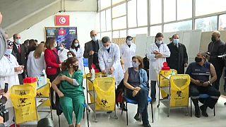 Tunisie : la campagne d'immunisation anti-Covid démarre à Tunis