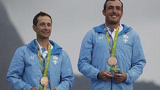 Παύλος Καγιαλής και Παναγιώτης Μάντης με το χάλκινο των Αγώνων του Ρίο