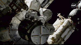 Passeio espacial para manutenção da EEI