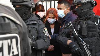 Letartóztatták Bolívia előző elnökét, Jeanine Anezt