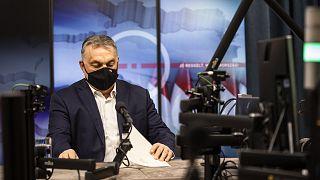 Orbán Viktor kormányfő a Kossuth Rádió stúdiójában, ahol interjút adott a Jó reggelt, Magyarország! című műsorban 2021. március 5-én.