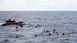 عملیات نجات پناهجویان سانحه دیده در دریای مدیترانه