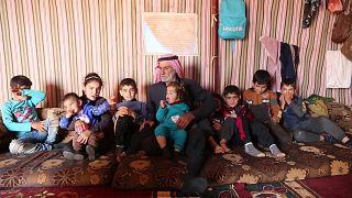 خطفت الحرب في سوريا من عبد الرزاق خاتون البالغ من العمر 83 عامًا 13 من أبنائه وإحدى زوجاته.